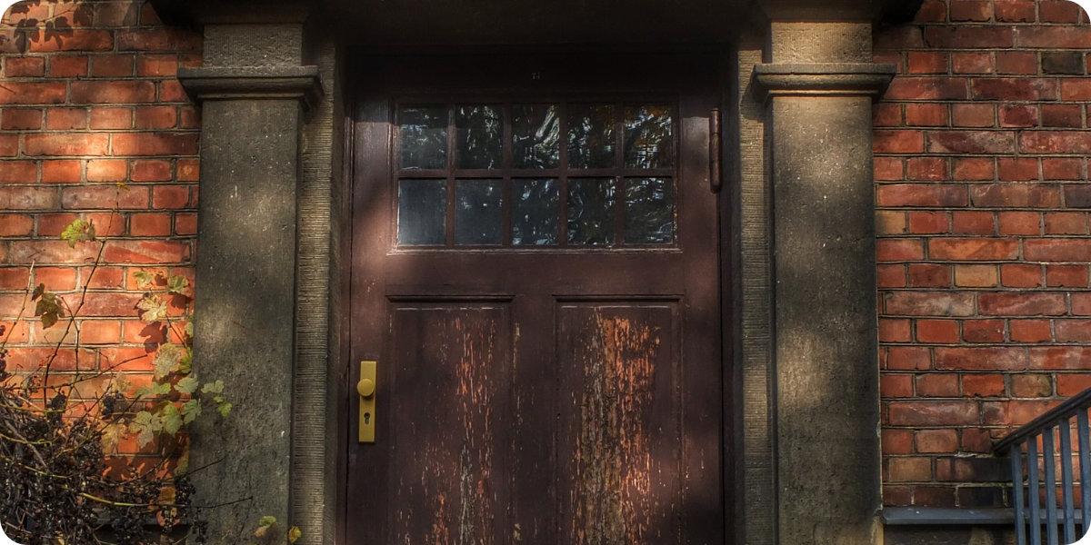 Antique Door - 6 Thriller-Autoren, die Sie nie Vergessen Werden